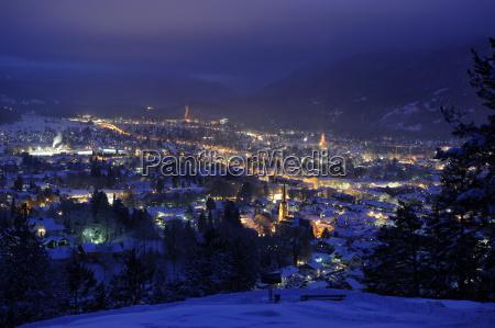 town of garmisch partenkirchen at night