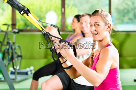 fitness personas en suspension training