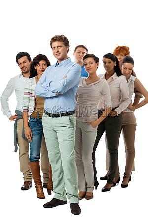 equipo del grupo joven con personas