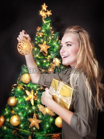 glad, pige, dekorere, juletræ - 13187000