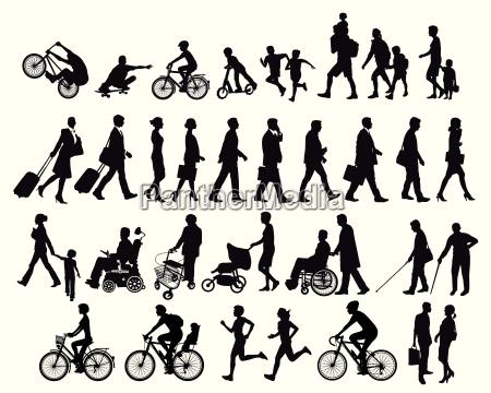personas en movimiento y actividades