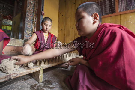 personas gente hombre religion asia horizontalmente