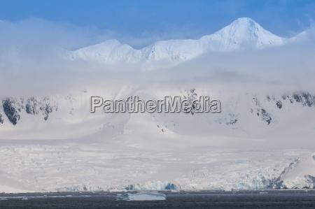 paseo viaje color antartico horizontalmente al
