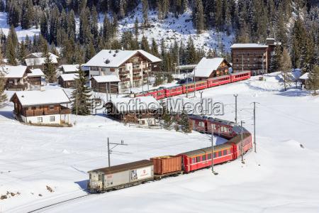 tren vehiculo transporte paseo viaje color