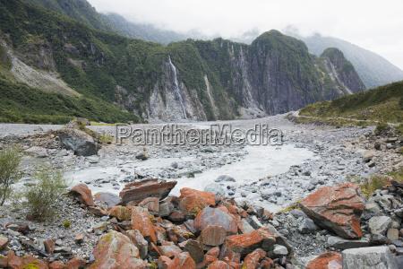 paseo viaje color parque nacional niebla