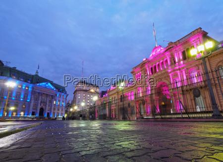 twilight view of the casa rosada