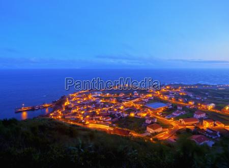 twilight view of the vila do