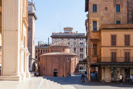 rotonda di san lorenzo on piazza